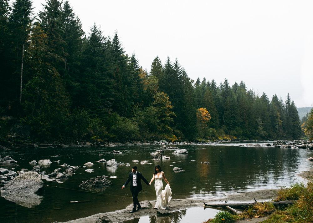 ©Isaiah & Taylor Photography - Los Angeles Wedding - Snoqualmie, Washington Honeymoon-029.jpg