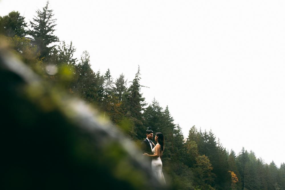 ©Isaiah & Taylor Photography - Los Angeles Wedding - Snoqualmie, Washington Honeymoon-032.jpg