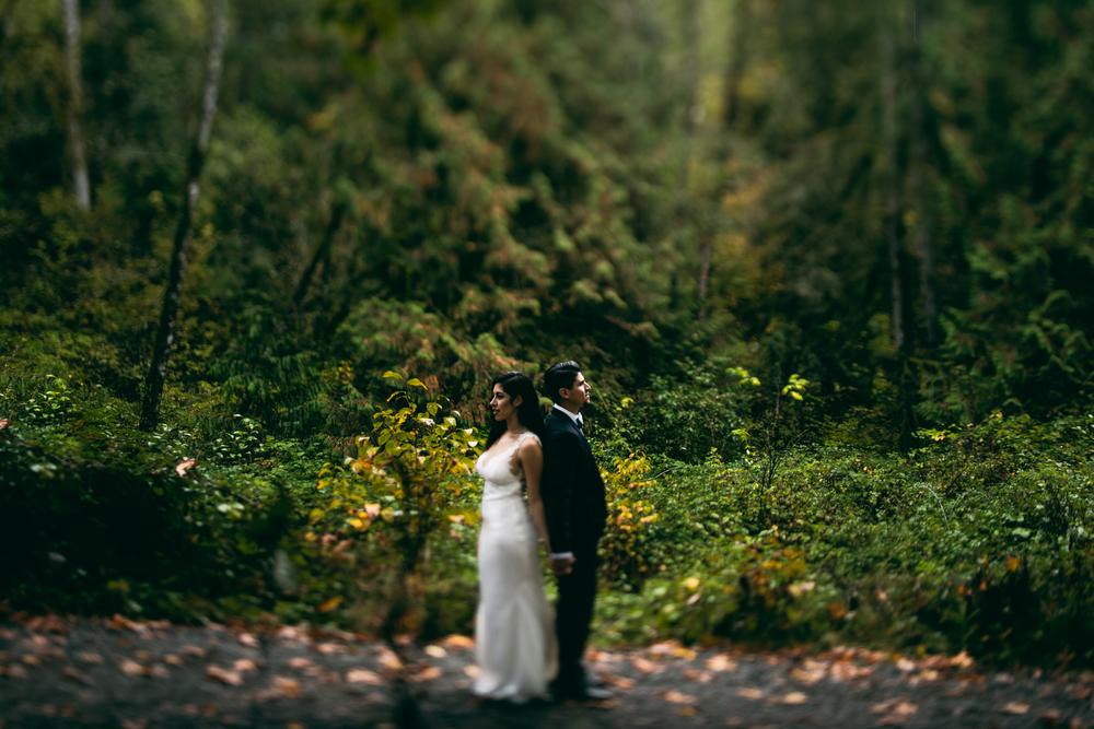 ©Isaiah & Taylor Photography - Los Angeles Wedding - Snoqualmie, Washington Honeymoon-038.jpg