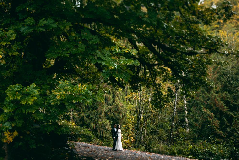©Isaiah & Taylor Photography - Los Angeles Wedding - Snoqualmie, Washington Honeymoon-040.jpg