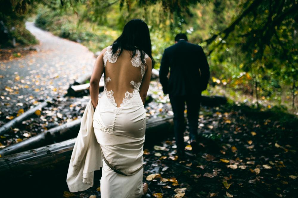 ©Isaiah & Taylor Photography - Los Angeles Wedding - Snoqualmie, Washington Honeymoon-046.jpg