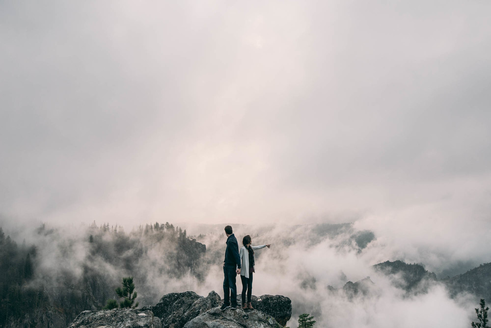 ©Isaiah & Taylor Photography - Stormy Cliffside Engagement, Yosemite California-26.jpg