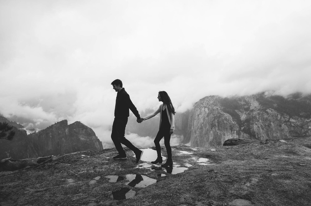 ©Isaiah & Taylor Photography - Stormy Cliffside Engagement, Yosemite California-29.jpg