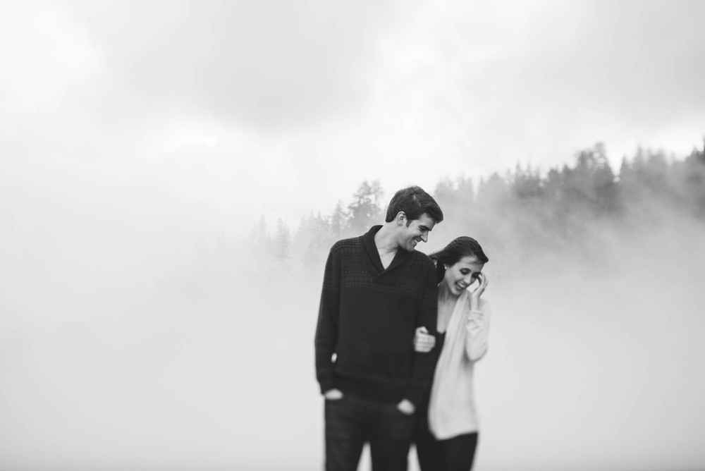 ©Isaiah & Taylor Photography - Stormy Cliffside Engagement, Yosemite California-34.jpg