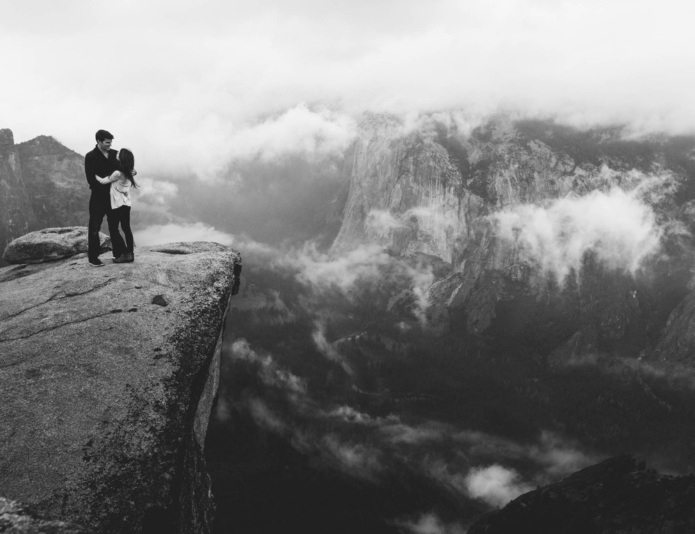 ©Isaiah & Taylor Photography - Stormy Cliffside Engagement, Yosemite California-42.jpg