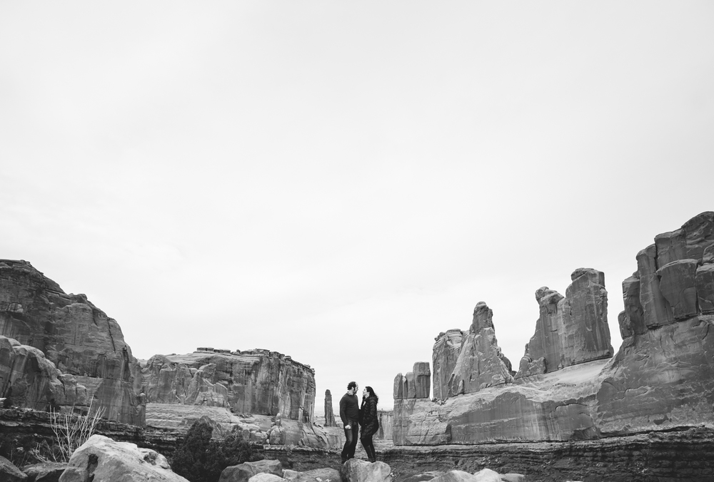 ©Isaiah & Taylor Photography - Arches National Park Adventure Engagement, Moab Utah-001.jpg