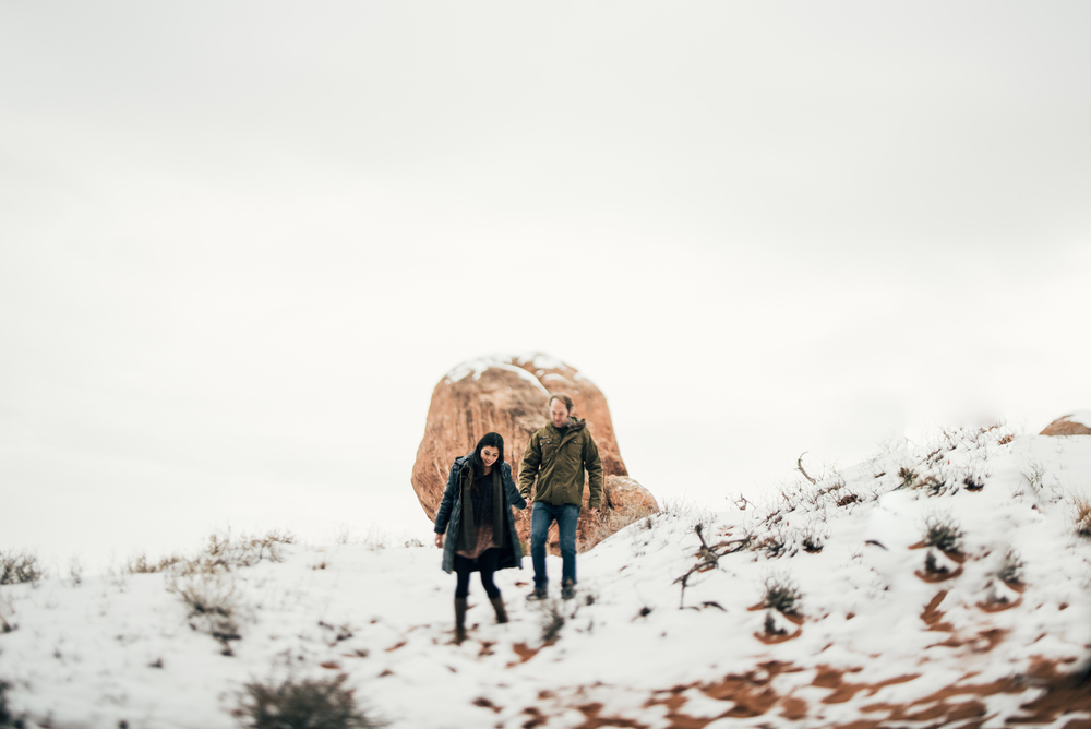 ©Isaiah & Taylor Photography - Arches National Park Adventure Engagement, Moab Utah-018.jpg