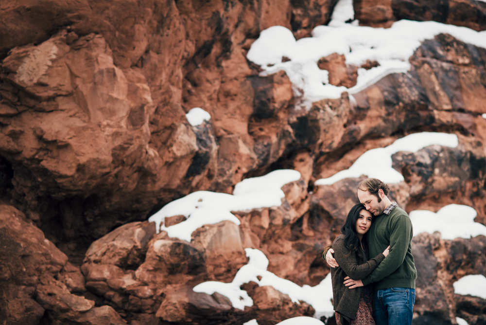 ©Isaiah & Taylor Photography - Arches National Park Adventure Engagement, Moab Utah-021.jpg