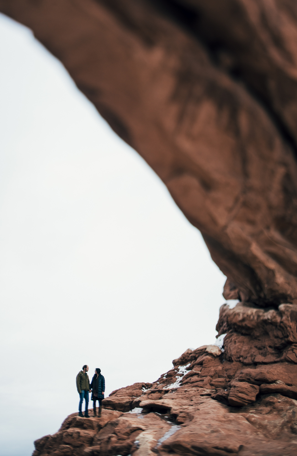 ©Isaiah & Taylor Photography - Arches National Park Adventure Engagement, Moab Utah-029.jpg