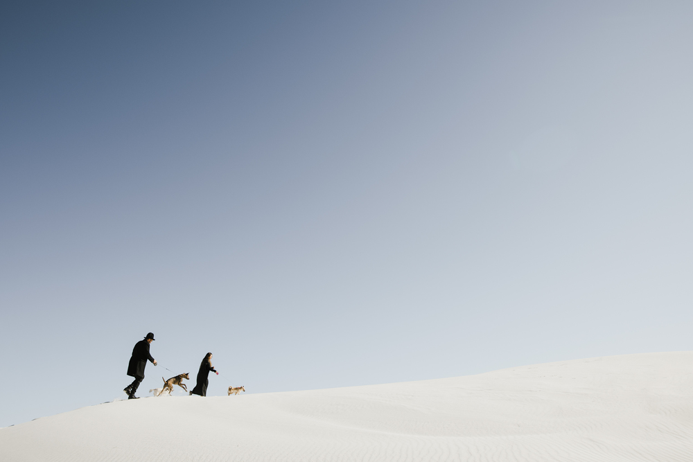 ©Isaiah & Taylor Photography - White Sands Natioanl Monument, New Mexico Engagement-004.jpg
