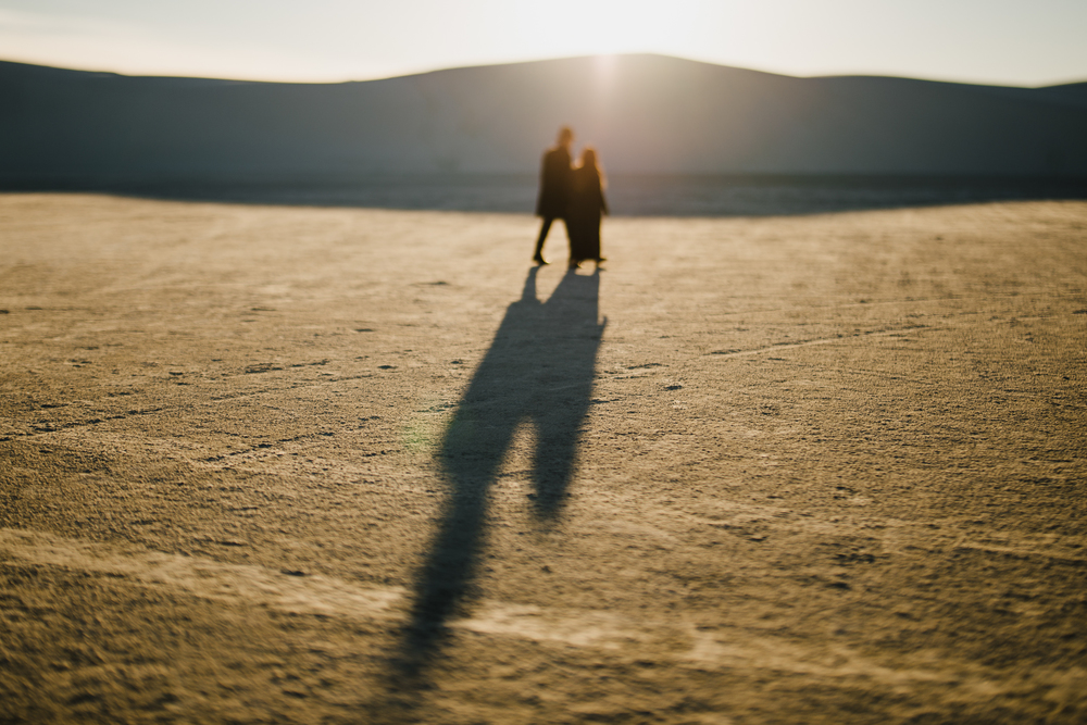 ©Isaiah & Taylor Photography - White Sands Natioanl Monument, New Mexico Engagement-047.jpg