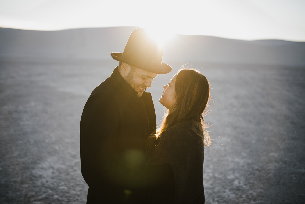 ©Isaiah & Taylor Photography - White Sands Natioanl Monument, New Mexico Engagement-052.jpg