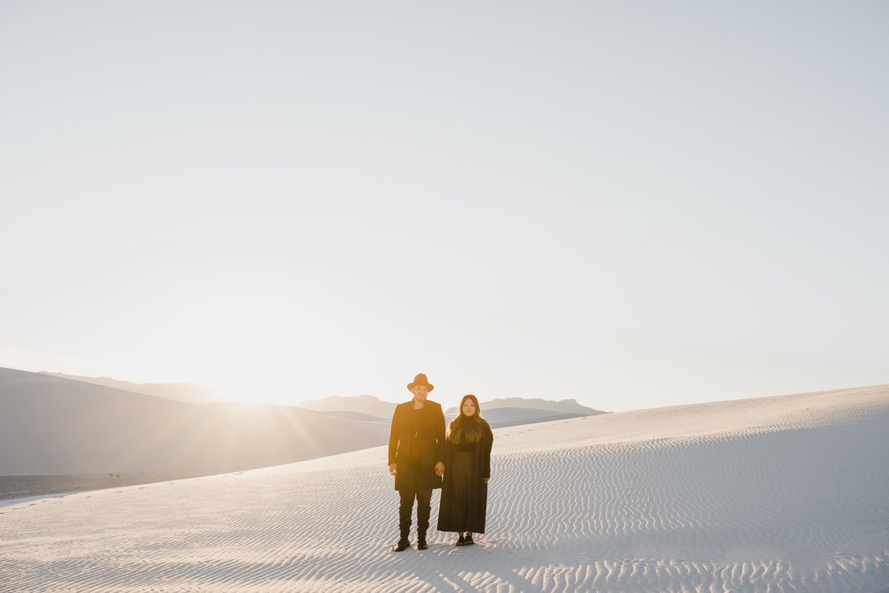 ©Isaiah & Taylor Photography - White Sands Natioanl Monument, New Mexico Engagement-058.jpg