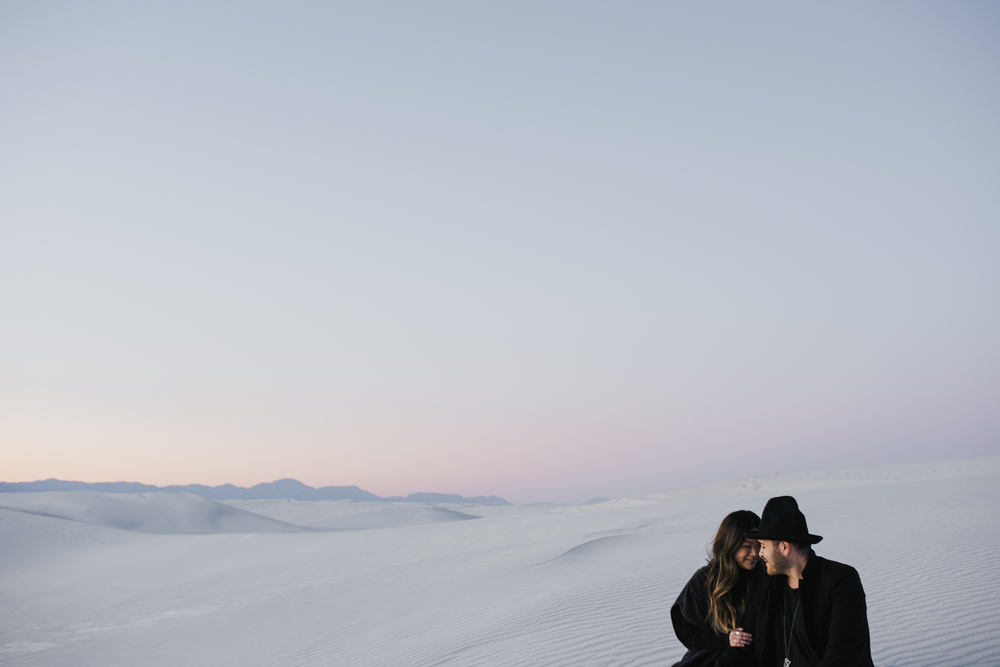 ©Isaiah & Taylor Photography - White Sands Natioanl Monument, New Mexico Engagement-068.jpg