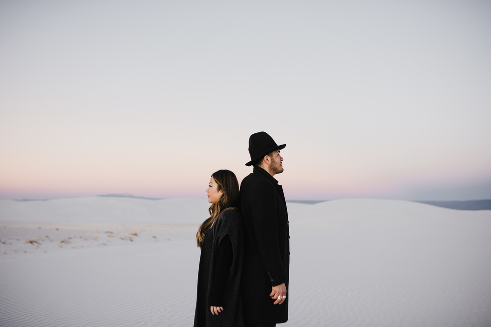 ©Isaiah & Taylor Photography - White Sands Natioanl Monument, New Mexico Engagement-067.jpg