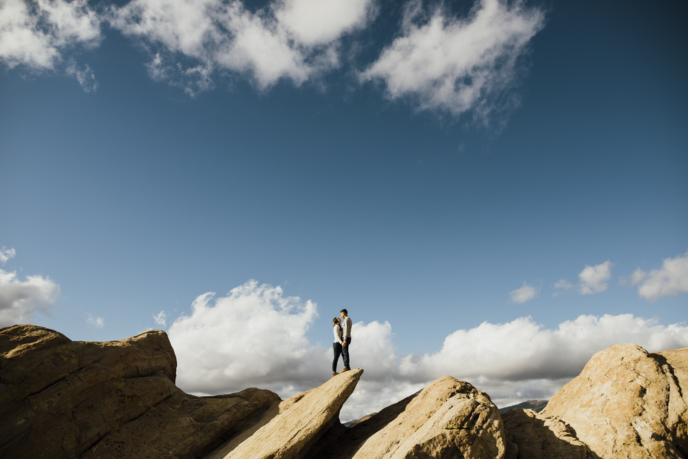 ©Isaiah-&-Taylor-Photography---Vasquez-Rocks-Engagement-005.jpg