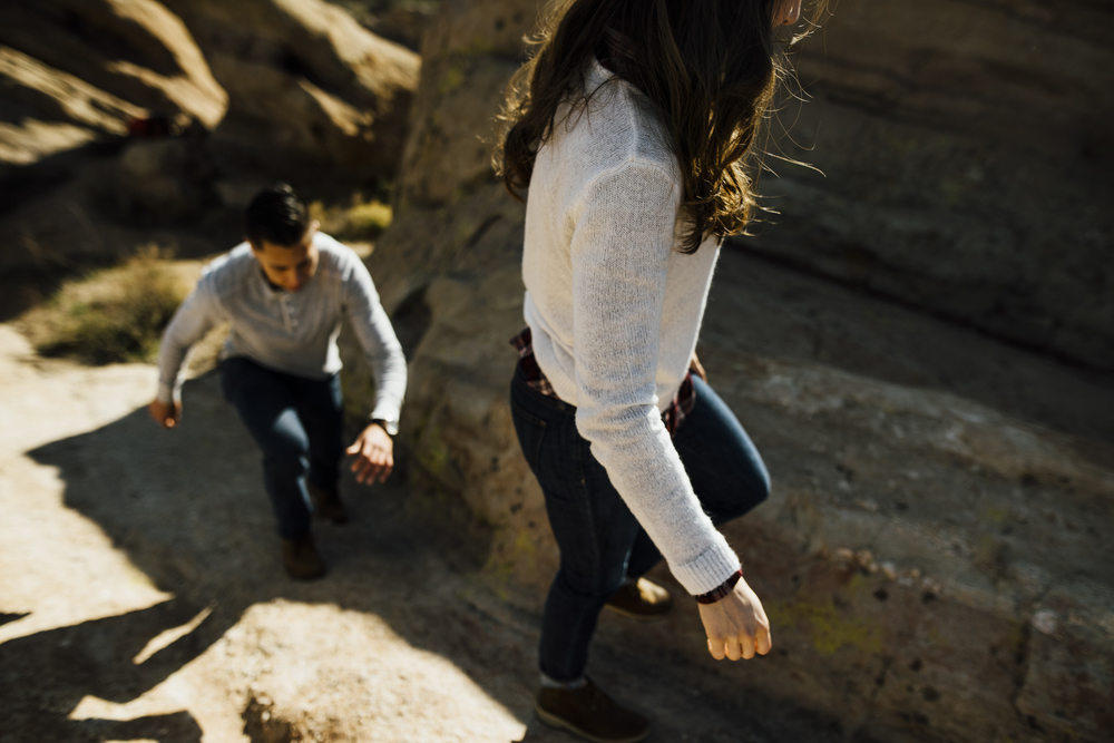 ©Isaiah-&-Taylor-Photography---Vasquez-Rocks-Engagement-008.jpg