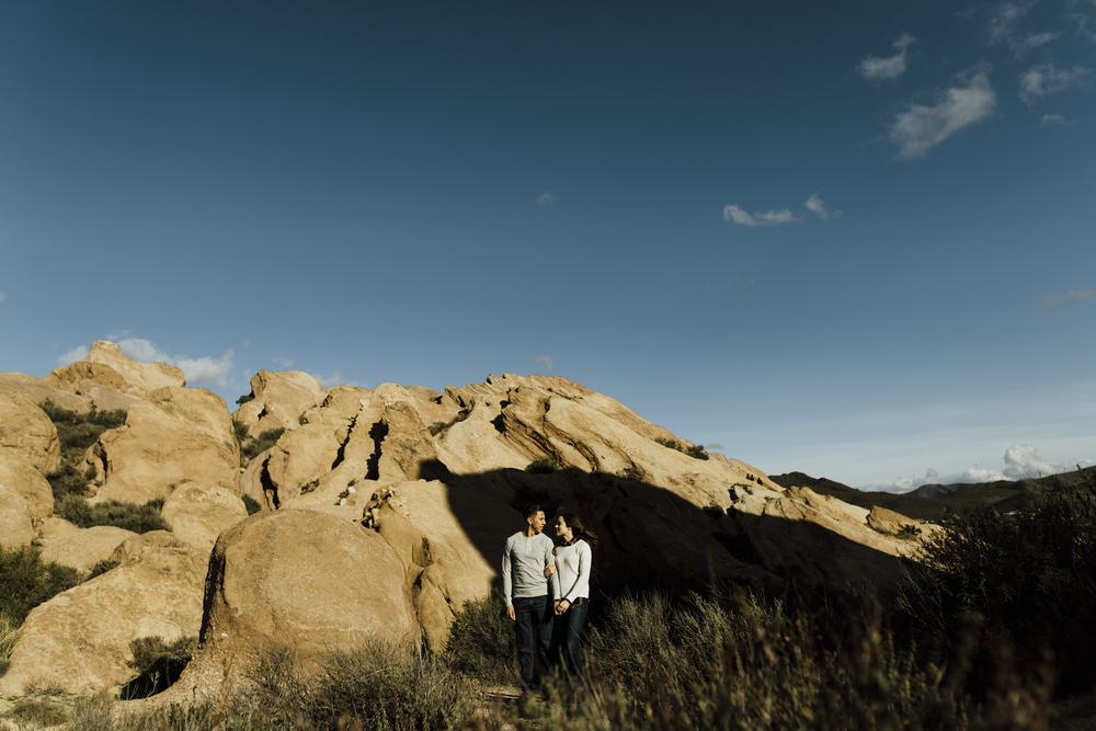 ©Isaiah-&-Taylor-Photography---Vasquez-Rocks-Engagement-012.jpg