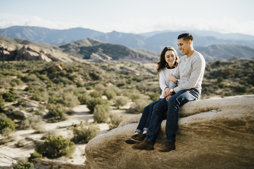 ©Isaiah-&-Taylor-Photography---Vasquez-Rocks-Engagement-014.jpg
