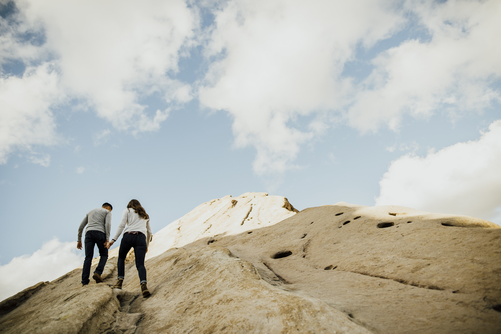 ©Isaiah-&-Taylor-Photography---Vasquez-Rocks-Engagement-018.jpg
