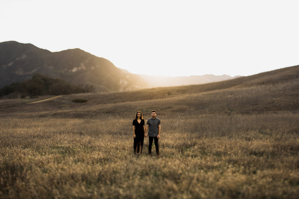 ©Isaiah-&-Taylor-Photography---Malibu-Field-Engagement,-Southern-California-Wedding-Photographer-010.jpg