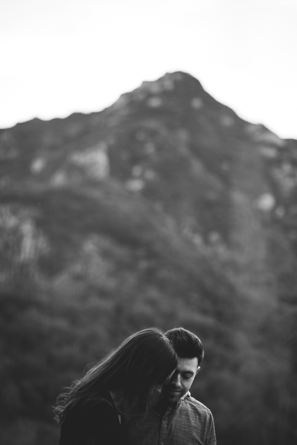 ©Isaiah-&-Taylor-Photography---Malibu-Field-Engagement,-Southern-California-Wedding-Photographer-020.jpg