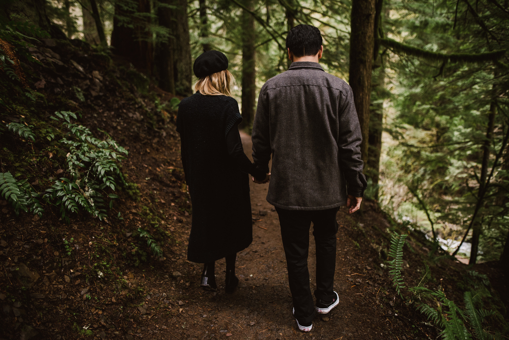 ©Isaiah-&-Taylor-Photography---Columbia-River-Gorge-Engagement,-Portland-Oregon-Wedding-Photographer-004.jpg