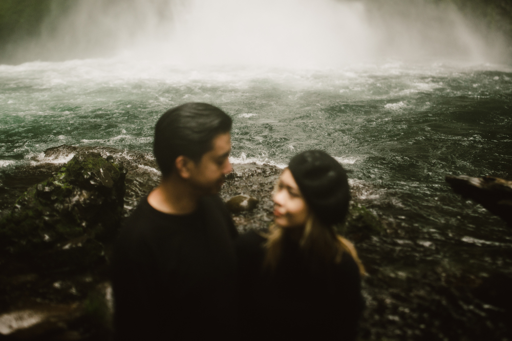 ©Isaiah-&-Taylor-Photography---Columbia-River-Gorge-Engagement,-Portland-Oregon-Wedding-Photographer-027.jpg
