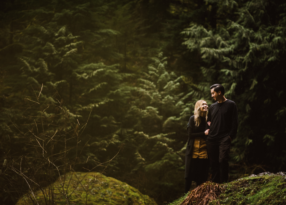 ©Isaiah-&-Taylor-Photography---Columbia-River-Gorge-Engagement,-Portland-Oregon-Wedding-Photographer-036.jpg