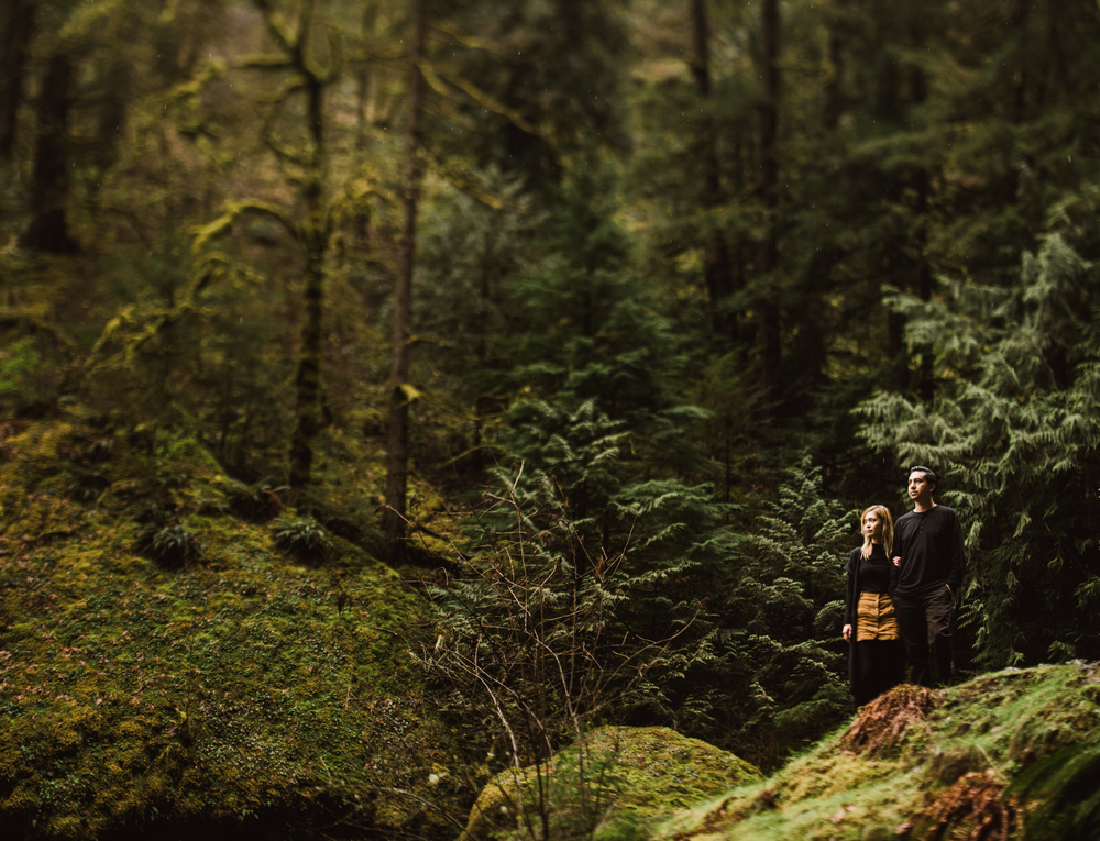 ©Isaiah-&-Taylor-Photography---Columbia-River-Gorge-Engagement,-Portland-Oregon-Wedding-Photographer-035.jpg