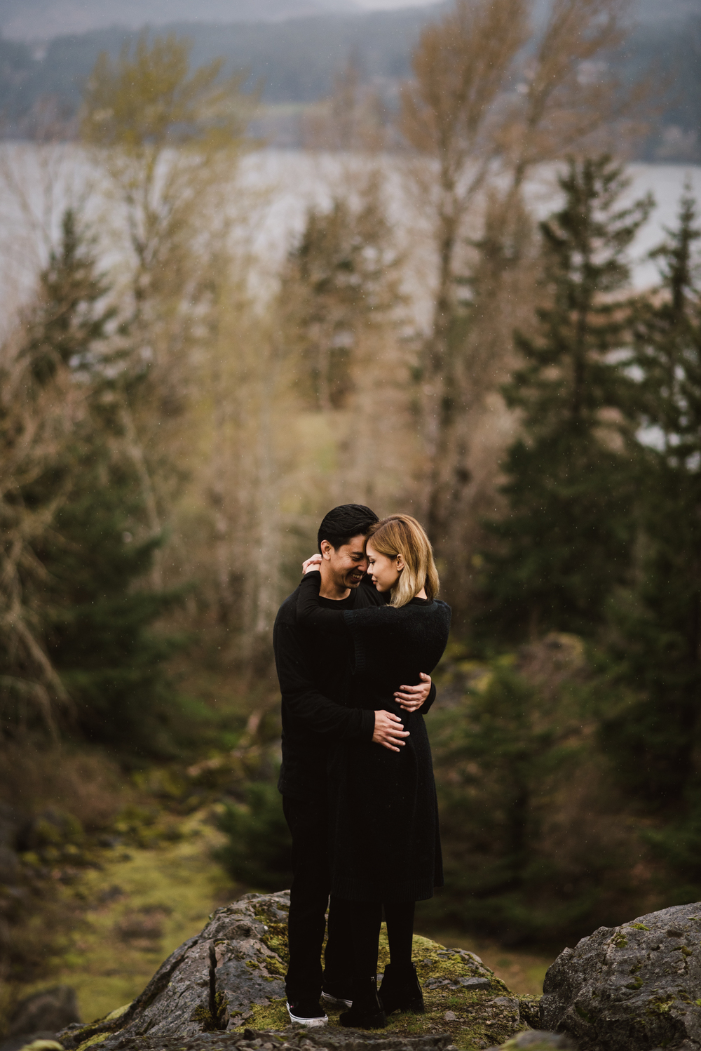 ©Isaiah-&-Taylor-Photography---Columbia-River-Gorge-Engagement,-Portland-Oregon-Wedding-Photographer-052.jpg