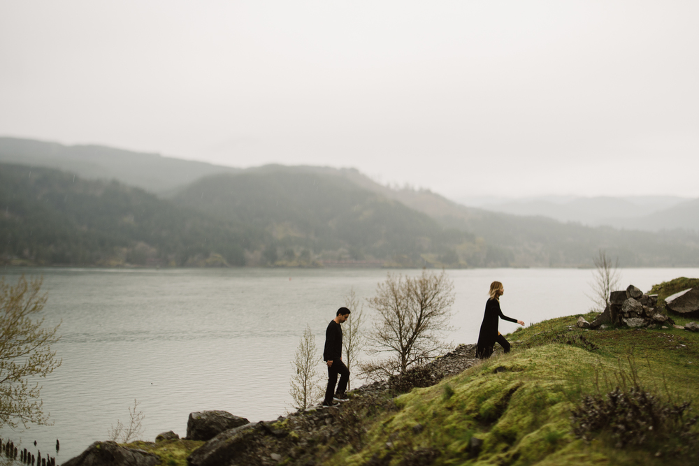 ©Isaiah-&-Taylor-Photography---Columbia-River-Gorge-Engagement,-Portland-Oregon-Wedding-Photographer-054.jpg