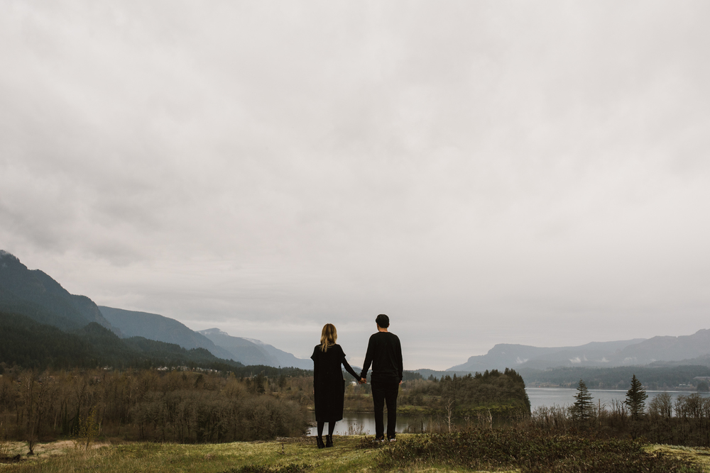 ©Isaiah-&-Taylor-Photography---Columbia-River-Gorge-Engagement,-Portland-Oregon-Wedding-Photographer-063.jpg