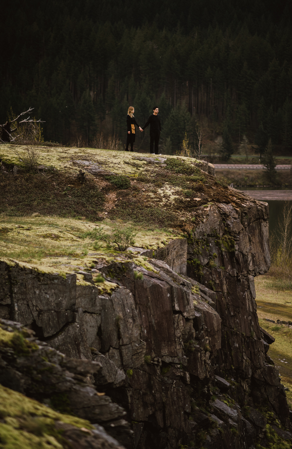 ©Isaiah-&-Taylor-Photography---Columbia-River-Gorge-Engagement,-Portland-Oregon-Wedding-Photographer-061.jpg