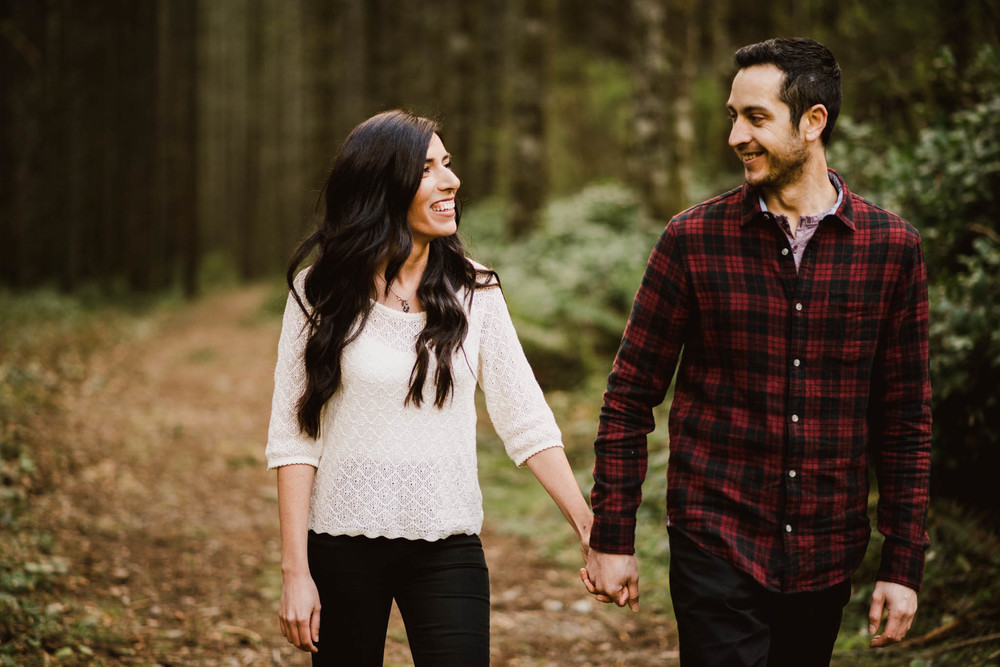 ©Isaiah-&-Taylor-Photography---Rattlesnake-Ledge-Trail-Engagement,-Seattle-Washington-012.jpg