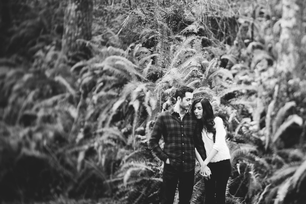 ©Isaiah-&-Taylor-Photography---Rattlesnake-Ledge-Trail-Engagement,-Seattle-Washington-014.jpg