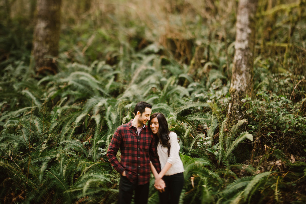 ©Isaiah-&-Taylor-Photography---Rattlesnake-Ledge-Trail-Engagement,-Seattle-Washington-015.jpg