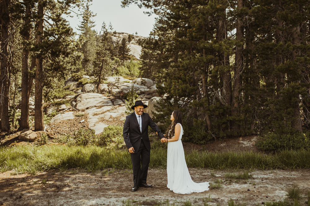 ©Isaiah & Taylor Photography -The Hideout Wedding, Kirkwood California, Lake Tahoe Wedding Photographer-72.jpg
