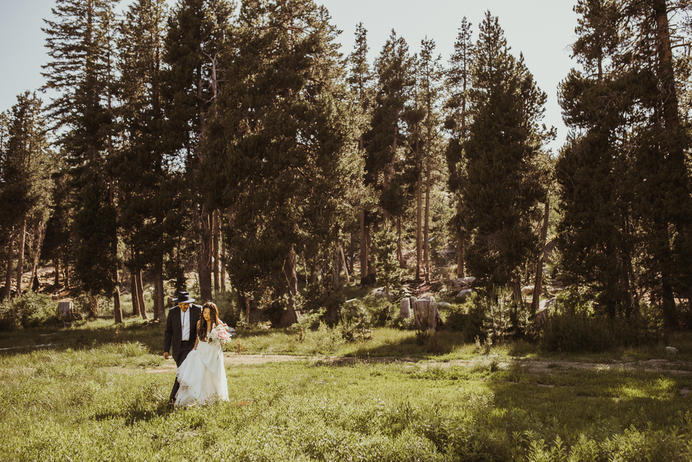 ©Isaiah & Taylor Photography -The Hideout Wedding, Kirkwood California, Lake Tahoe Wedding Photographer-91.jpg
