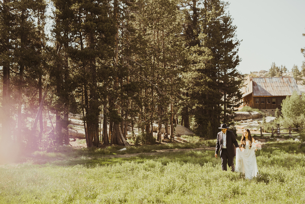 ©Isaiah & Taylor Photography -The Hideout Wedding, Kirkwood California, Lake Tahoe Wedding Photographer-96.jpg