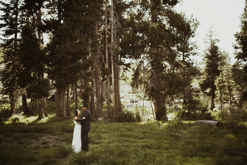 ©Isaiah & Taylor Photography -The Hideout Wedding, Kirkwood California, Lake Tahoe Wedding Photographer-110.jpg