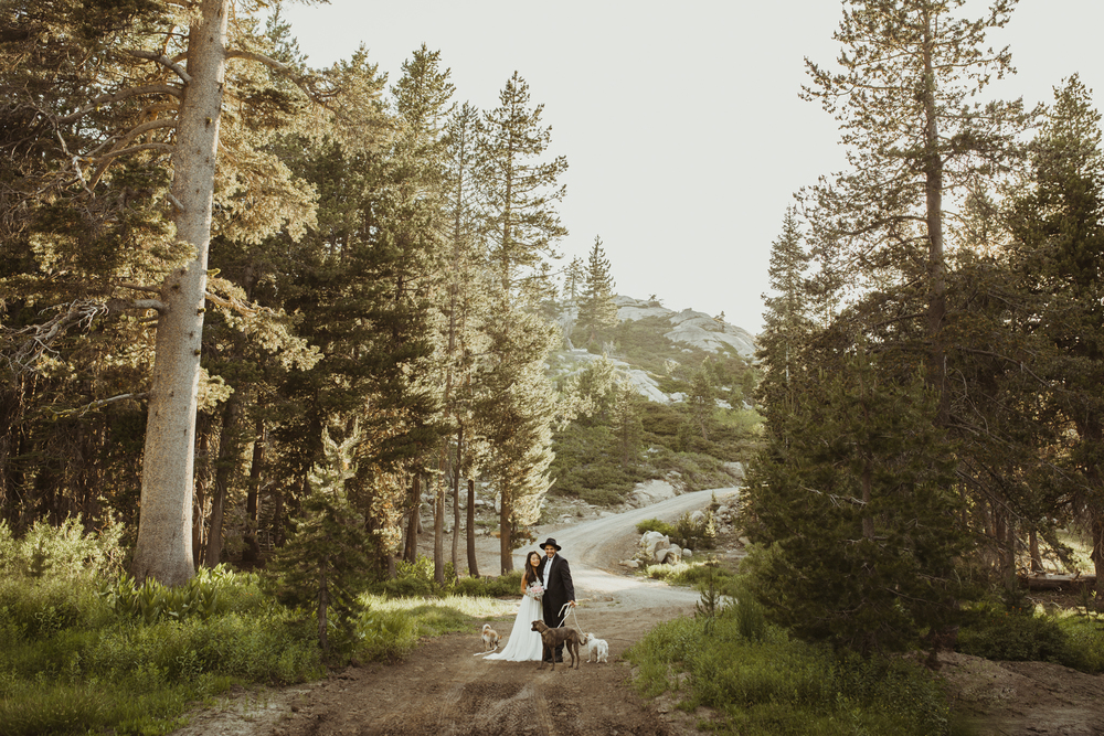 ©Isaiah & Taylor Photography -The Hideout Wedding, Kirkwood California, Lake Tahoe Wedding Photographer-159.jpg