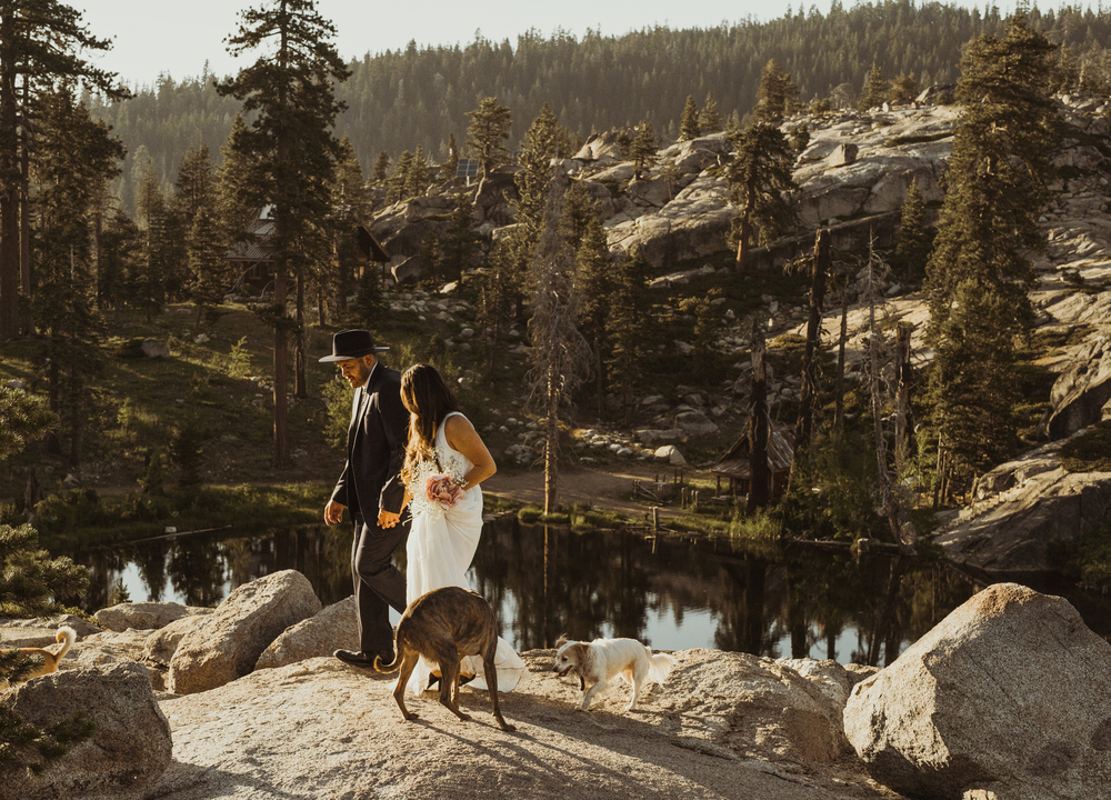 ©Isaiah & Taylor Photography -The Hideout Wedding, Kirkwood California, Lake Tahoe Wedding Photographer-166.jpg