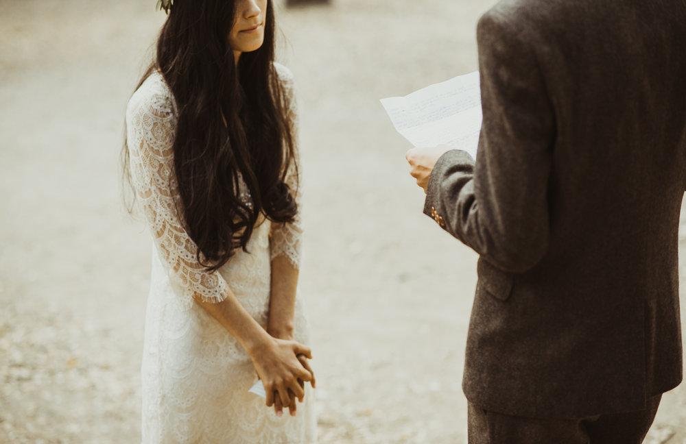 ©Isaiah-&-Taylor-Photography---Oak-Canyon-Nature-Center-Wedding,-Anaheim-Hills-015.jpg