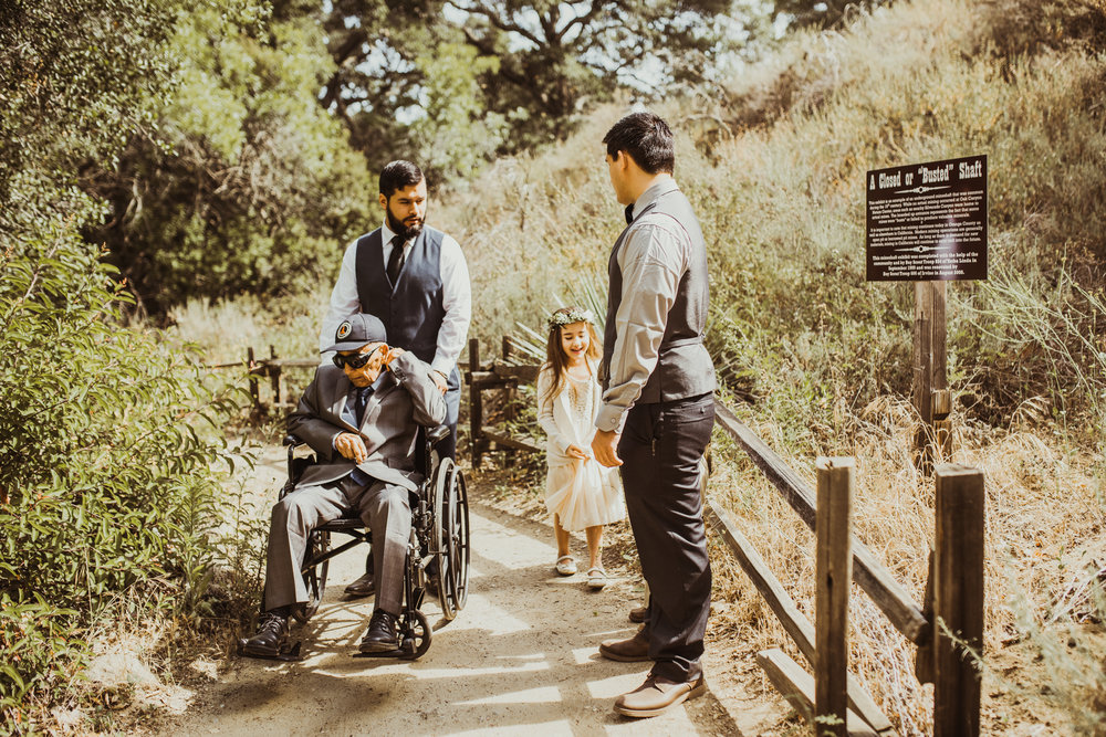 ©Isaiah-&-Taylor-Photography---Oak-Canyon-Nature-Center-Wedding,-Anaheim-Hills-037.jpg