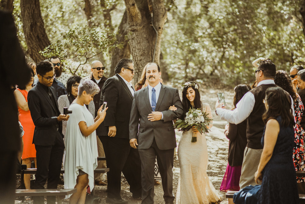 ©Isaiah-&-Taylor-Photography---Oak-Canyon-Nature-Center-Wedding,-Anaheim-Hills-041.jpg