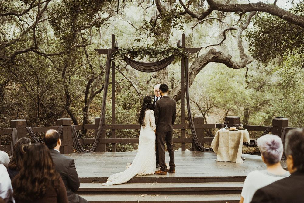©Isaiah-&-Taylor-Photography---Oak-Canyon-Nature-Center-Wedding,-Anaheim-Hills-049.jpg