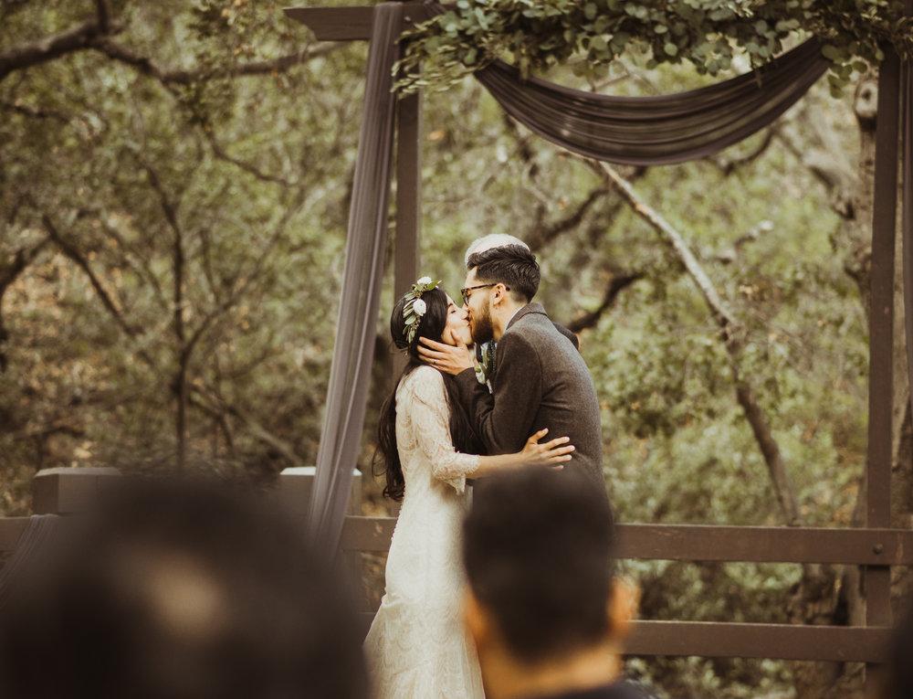 ©Isaiah-&-Taylor-Photography---Oak-Canyon-Nature-Center-Wedding,-Anaheim-Hills-050.jpg