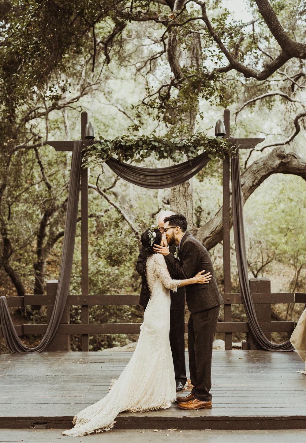 ©Isaiah-&-Taylor-Photography---Oak-Canyon-Nature-Center-Wedding,-Anaheim-Hills-051.jpg