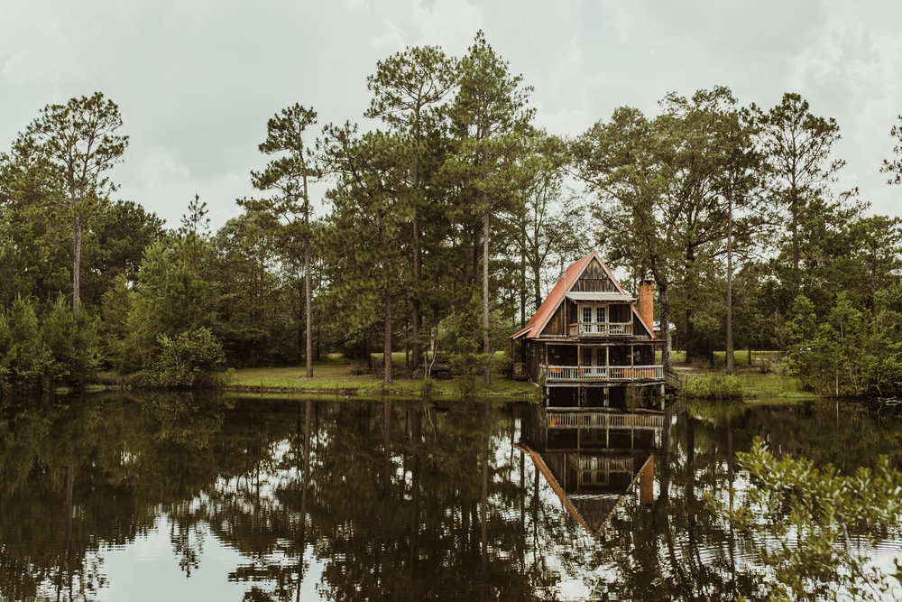 ©Isaiah & Taylor Photography - Lakeside Barn Wedding, Private Estate, Poplarville Mississippi-05.jpg